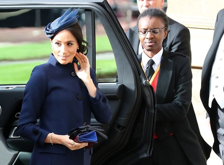 https: img-o.okeinfo.net content 2018 10 12 194 1963319 hadiri-royal-wedding-putri-eugenie-meghan-markle-setia-kenakan-dress-rancangan-givenchy-3FD7XQfI6S.jpg
