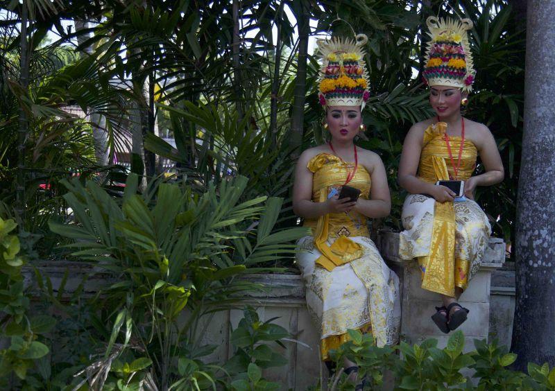 https: img-o.okeinfo.net content 2018 10 12 278 1963244 foto-eksotisnya-karnaval-budaya-bali-saat-pertemuan-imf-world-bank-2018-z6K9ttWXz4.jpeg