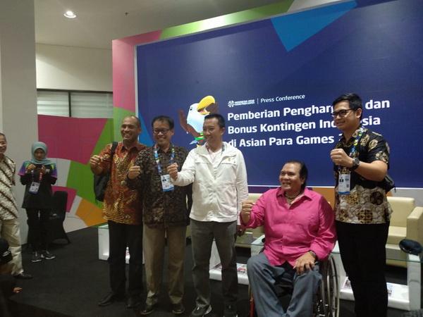https: img-o.okeinfo.net content 2018 10 12 43 1963147 menpora-sebut-rincian-bonus-atlet-indonesia-peraih-medali-asian-para-games-2018-AIxiMKMgRi.jpg