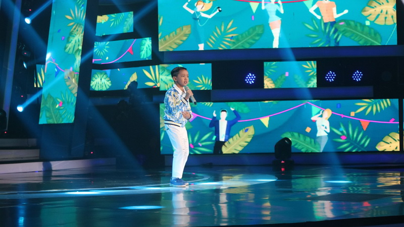 https: img-o.okeinfo.net content 2018 10 12 598 1963205 michael-sukses-buka-spektakuler-showcase-indonesian-idol-junior-2018-yhJznpjHbf.jpg