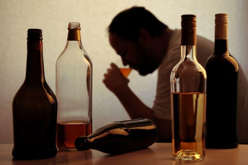 https: img-o.okeinfo.net content 2018 10 17 196 1965054 7-tips-keluar-dari-jerat-alkohol-salah-satunya-jadilah-supir-oX0LxXwKvv.jpg