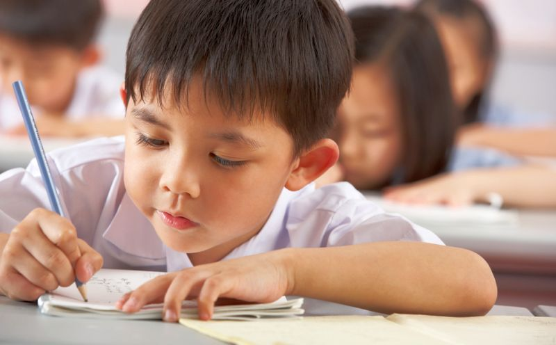 https: img-o.okeinfo.net content 2018 10 17 65 1965241 pendidikan-di-singapura-tinggalkan-sistem-peringkat-di-kelas-Pg0VgixAVN.jpg