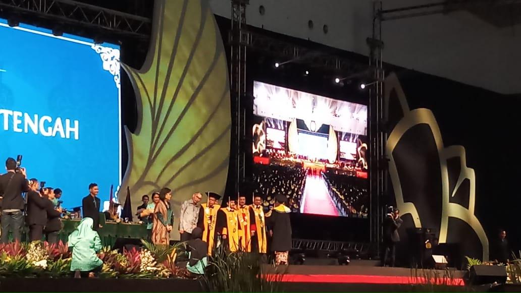 https: img-o.okeinfo.net content 2018 10 18 65 1965620 sri-mulyani-wisudai-5-523-mahasiswa-stan-UkXntY3Oi0.jpeg