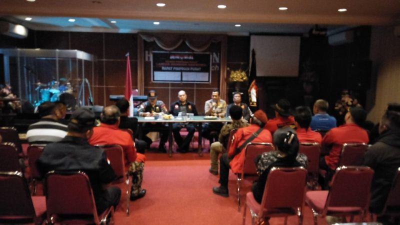 https: img-o.okeinfo.net content 2018 10 19 340 1966142 laskar-manguni-indonesia-tegaskan-tak-terlibat-aksi-penolakan-habib-bahar-bin-smith-di-manado-kWDpLKwCV3.jpg