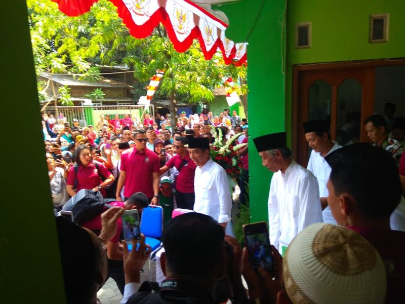 https: img-o.okeinfo.net content 2018 10 20 512 1966716 presiden-jokowi-sebut-keragaman-bangsa-indonesia-adalah-sunatullah-7qzD0p2YqA.jpg
