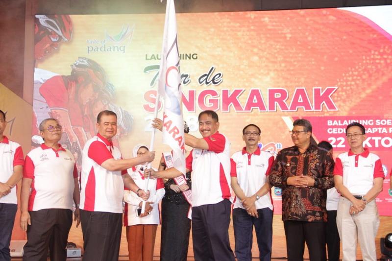 https: img-o.okeinfo.net content 2018 10 23 337 1967668 jadi-sport-tourism-terbesar-di-indonesia-15-tim-mancanegara-ikut-tds-2018-I39er5TcGE.jpg