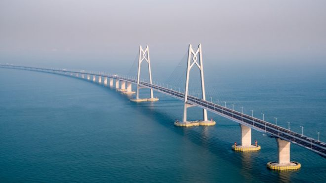 https: img-o.okeinfo.net content 2018 10 24 18 1968583 china-buka-jembatan-terpanjang-di-dunia-tapi-mengapa-disebut-jembatan-maut-MXEWysiZ24.jpg