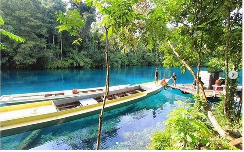https: img-o.okeinfo.net content 2018 10 25 406 1968827 menikmati-keindahan-danau-labuan-cermin-surga-kecil-di-kalimantan-timur-8P8ryIVKF9.jpg