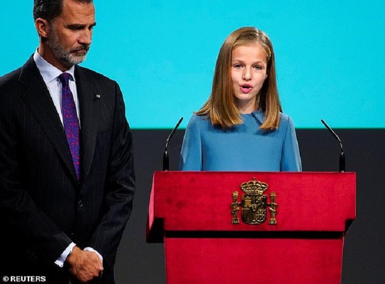 https: img-o.okeinfo.net content 2018 11 01 196 1971864 putri-leonor-pewaris-tahta-kerajaan-spanyol-akhirnya-bicara-pertama-kali-di-hadapan-publik-ON6BHPriHs.jpg