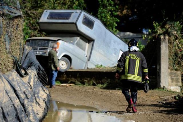 https: img-o.okeinfo.net content 2018 11 04 18 1973213 badai-dan-banjir-terjang-sisilia-italia-10-orang-tewas-dan-2-hilang-jDSbgbxxnK.jpg