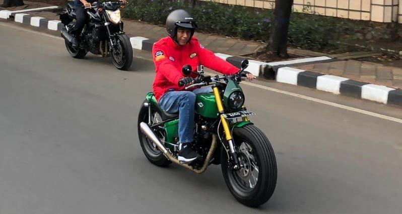 https: img-o.okeinfo.net content 2018 11 05 15 1973453 dua-merek-sepeda-motor-yang-jadi-pilihan-jokowi-7CpmYvIrsZ.jpg