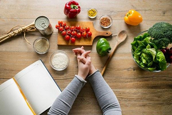 https: img-o.okeinfo.net content 2018 11 05 481 1973558 konsumsi-makanan-sehat-tak-harus-mahal-kok-XfFLRkxWeC.jpg