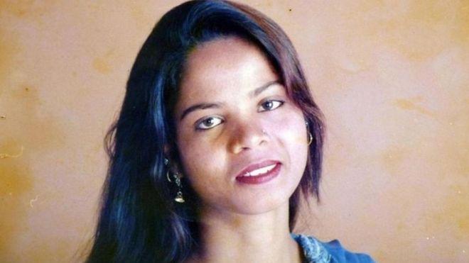 https: img-o.okeinfo.net content 2018 11 08 18 1974979 bebas-dari-tuduhan-penodaan-agama-di-pakistan-asia-bibi-dibawa-dengan-pesawat-INuhQb9UYV.jpg