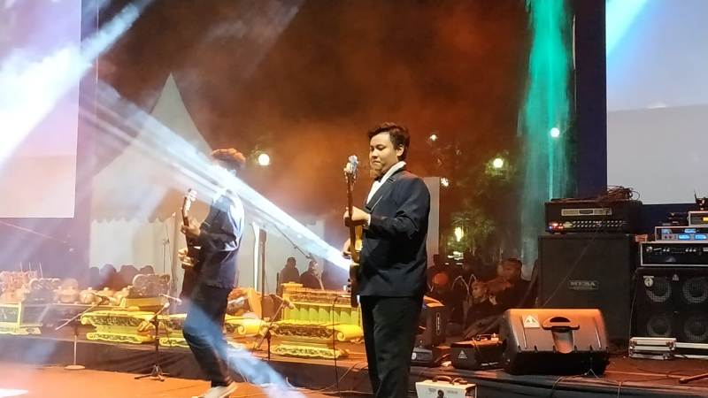 https: img-o.okeinfo.net content 2018 11 10 1 1976095 festival-mbois-wadah-kreativitas-muda-mudi-kota-malang-8AYtd0BQbh.jpg