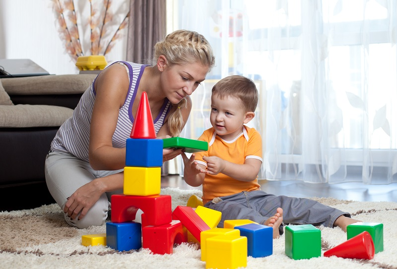 https: img-o.okeinfo.net content 2018 11 15 196 1978334 penting-untuk-orangtua-mainan-anak-konvensional-lebih-baik-daripada-mainan-digital-n6qFSM03mD.jpg