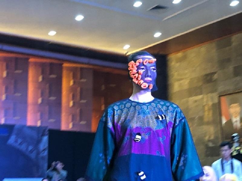 https: img-o.okeinfo.net content 2018 11 21 194 1980829 16-perancang-busana-indonesia-akan-berpartisipasi-dalam-fashion-show-di-atas-kapal-pesiar-C7mC0xyjDB.jpg