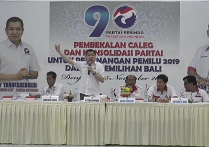 https: img-o.okeinfo.net content 2018 11 25 244 1982632 beri-pembekalan-caleg-di-bali-hary-tanoe-targetkan-top-3-di-pemilu-2019-VCDFVHTV8h.jpg