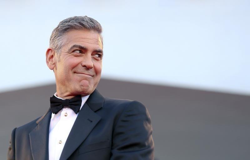https: img-o.okeinfo.net content 2018 11 25 33 1982523 5-aktor-hollywood-dengan-kekayaan-tertinggi-8Sxi2FAKcf.jpg