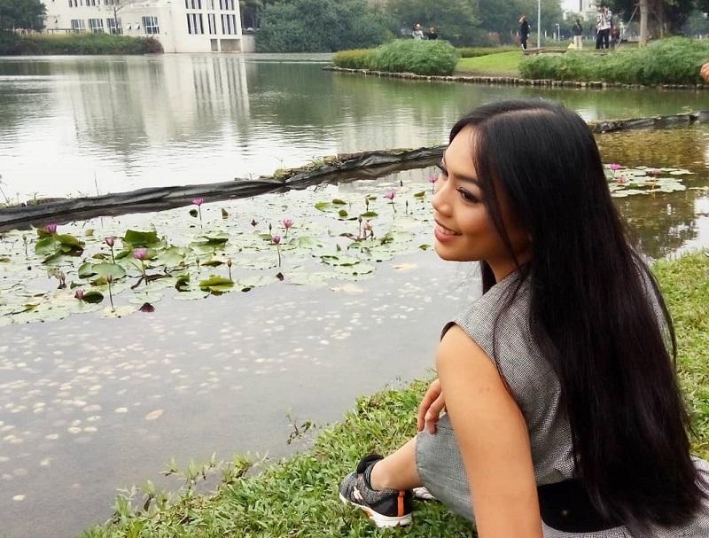 https: img-o.okeinfo.net content 2018 11 26 194 1982969 karantina-miss-world-2018-ini-cerita-seru-alya-nurshabrina-kunjungi-sungai-meishe-S2zVGdp3Ej.jpg