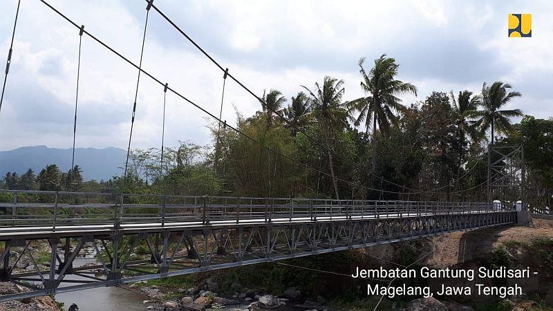 https: img-o.okeinfo.net content 2018 11 27 320 1983332 300-jembatan-gantung-dibangun-tak-ada-lagi-indiana-jones-hKht0IYI3B.jpg