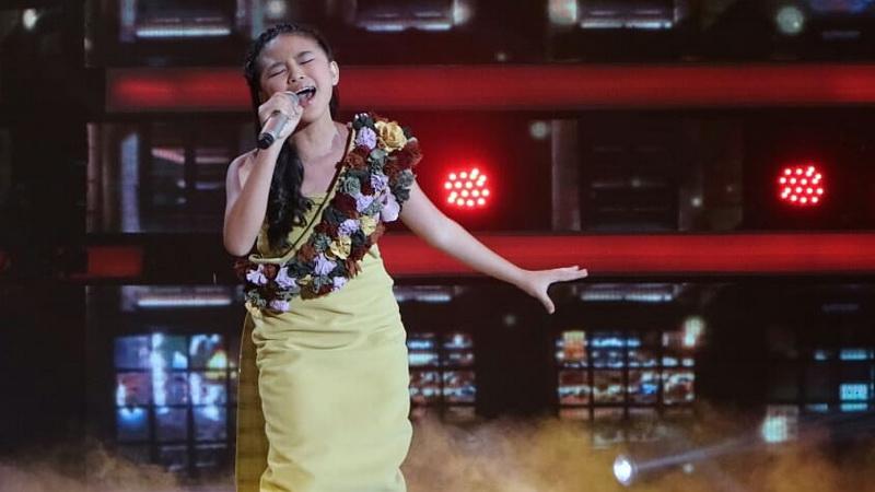 https: img-o.okeinfo.net content 2018 11 30 598 1985104 memukau-anneth-idol-ditunggu-rizky-febian-di-final-indonesian-idol-junior-0AIis9vJQl.jpg