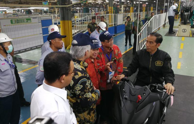 https: img-o.okeinfo.net content 2018 12 03 15 1986343 ekspor-motor-yamaha-buatan-indonesia-tembus-1-5-juta-unit-RiaQBlq5Kc.jpg