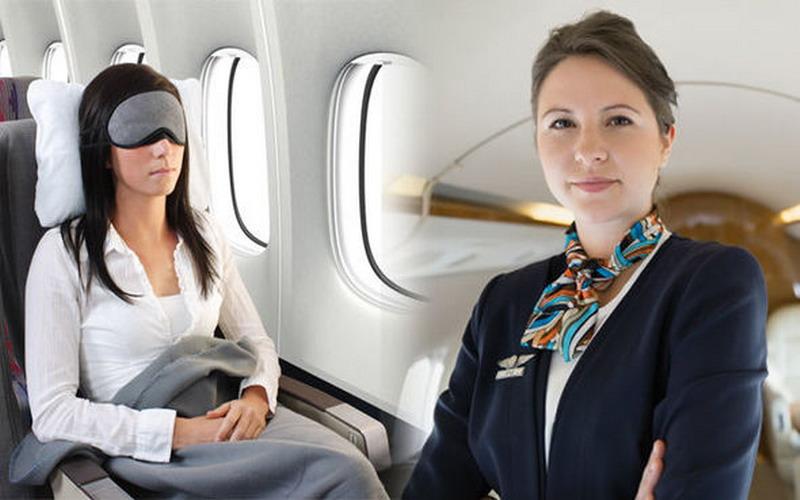 https: img-o.okeinfo.net content 2018 12 03 406 1986010 jadilah-penumpang-cerdas-ini-6-etika-wajib-anda-terapkan-dalam-pesawat-terbang-NXjY7QqHwX.jpg