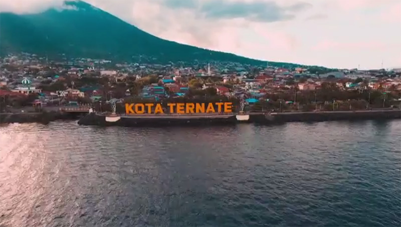 https: img-o.okeinfo.net content 2018 12 04 406 1986837 eksotisme-maluku-utara-salah-satu-bali-baru-indonesia-A3gESn2KPq.jpg