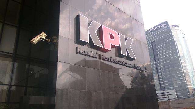 https: img-o.okeinfo.net content 2018 12 05 337 1987316 kpk-sinyalir-tambang-ilegal-di-indonesia-dibekingi-aparat-bersenjata-ahPHyJjNrr.jpg