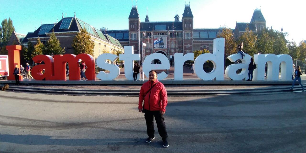 https: img-o.okeinfo.net content 2018 12 07 406 1987951 ikon-i-amsterdam-di-depan-ritjksmuseum-belanda-dicopot-setelah-14-tahun-terpasang-kenapa-38UclbNum1.jpg