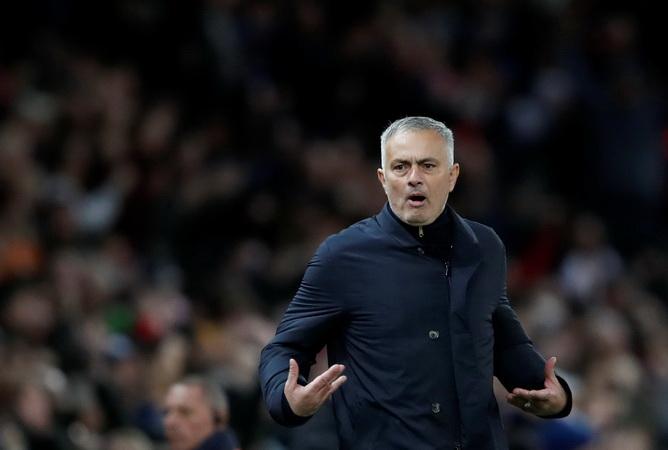 https: img-o.okeinfo.net content 2018 12 07 45 1988185 man-united-gagal-lolos-ke-liga-champions-mourinho-dipecat-dan-tunjuk-pochettino-bkN4jcs3XZ.jpg