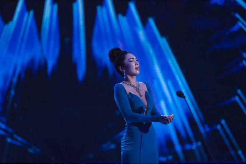 https: img-o.okeinfo.net content 2018 12 08 194 1988634 kanako-date-miss-world-jepang-2018-tampil-memukau-dengan-nyanyian-opera-Dbxwn93YH1.jpg