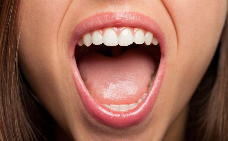 https: img-o.okeinfo.net content 2018 12 14 481 1991157 80-penyebab-utama-bau-mulut-bukan-karena-makanan-loh-CwZaMaQskF.jpg