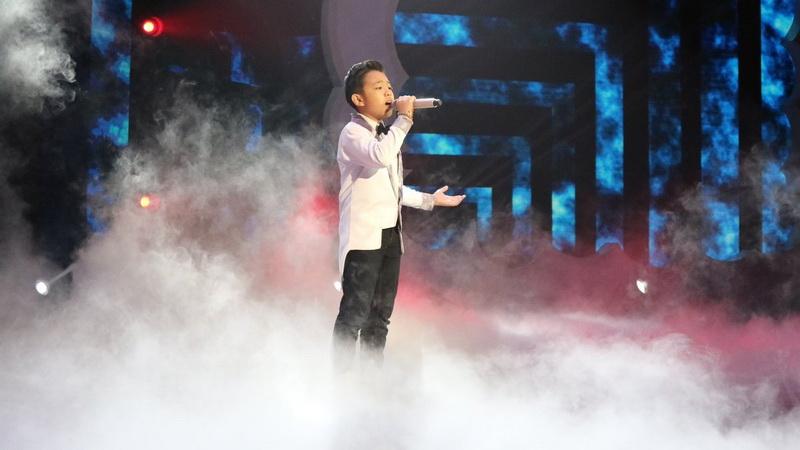 https: img-o.okeinfo.net content 2018 12 14 598 1991331 nyanyikan-lagu-loren-allred-deven-banjir-pujian-dari-juri-indonesian-idol-junior-RTZtp0cw2C.jpg
