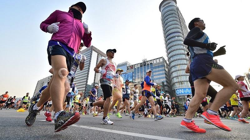 https: img-o.okeinfo.net content 2018 12 16 481 1991930 sudah-usia-lanjut-ikut-lari-marathon-simak-dulu-tipsnya-oCQatq4Xht.jpg