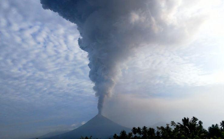 https: img-o.okeinfo.net content 2018 12 18 337 1993087 20-gunung-api-berstatus-di-atas-normal-wisatawan-diminta-waspada-353yZOe0hp.JPG