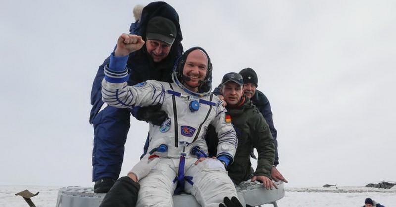 https: img-o.okeinfo.net content 2018 12 20 56 1994085 astronot-mendarat-ke-bumi-dari-stasiun-luar-angkasa-uJmcd5KB56.jpg