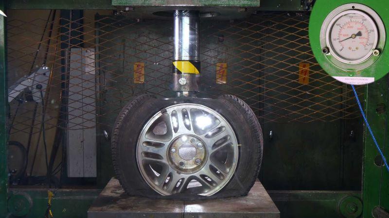 https: img-o.okeinfo.net content 2018 12 31 15 1998200 pelek-allumunium-lebih-kuat-dari-pelek-baja-ini-pengujiannya-rqe0vyd06f.jpg