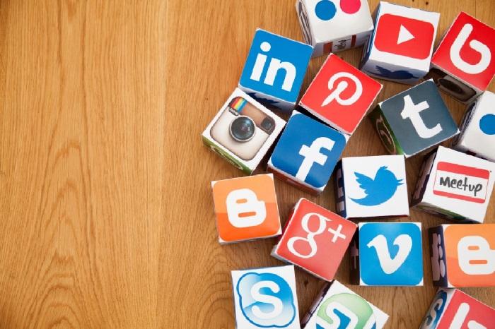 https: img-o.okeinfo.net content 2018 12 31 207 1998052 8-isu-paling-populer-di-media-sosial-2018-YJjuj11xOX.jpg