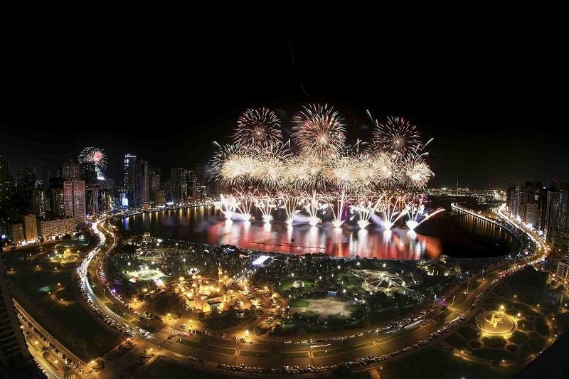 https: img-o.okeinfo.net content 2018 12 31 406 1998188 tahun-baru-2019-uea-nyalakan-kembang-api-terbesar-di-dunia-w2cULCmLst.jpg