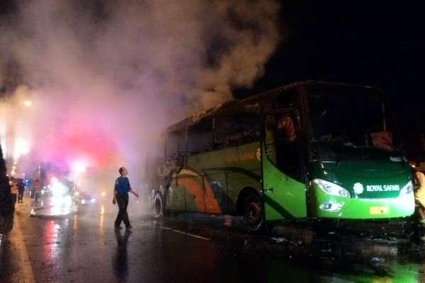https: img-o.okeinfo.net content 2018 12 31 512 1998393 bus-terbakar-di-boyolali-40-penumpang-tunggang-langgang-selamatkan-diri-4CKUaOMDL8.jpg