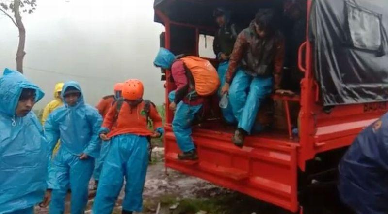 https: img-o.okeinfo.net content 2019 01 02 609 1998843 basarnas-bentuk-tim-cari-2-pendaki-yang-tersesat-di-gunung-bawakaraeng-hBFBlM8kba.jpg