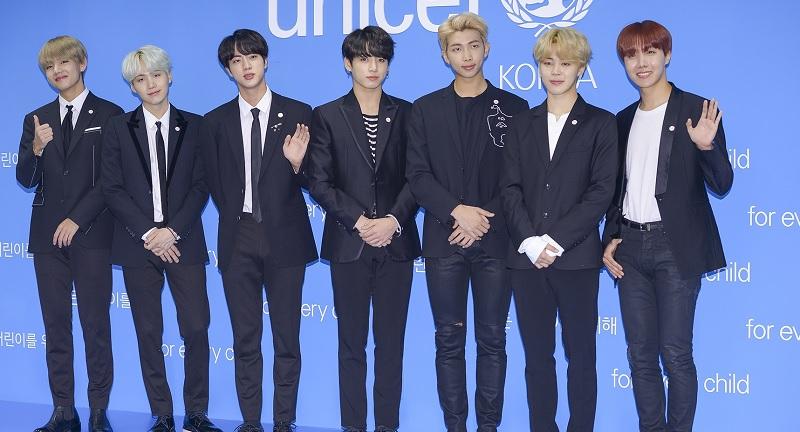 https: img-o.okeinfo.net content 2019 01 05 205 2000385 4-boyband-k-pop-yang-diprediksi-bersinar-di-2019-uG8cexJTiu.jpg