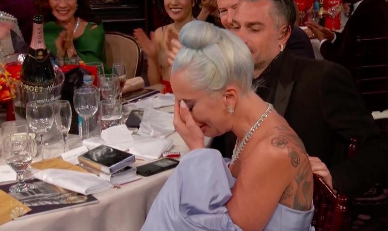 https: img-o.okeinfo.net content 2019 01 07 206 2000835 lady-gaga-menangis-menang-best-original-song-di-golden-globes-2019-idOw6WPy26.jpg