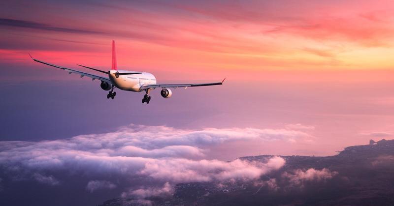 https: img-o.okeinfo.net content 2019 01 07 207 2001123 mengapa-powerbank-kapasitas-besar-tak-boleh-dibawa-dalam-pesawat-terbang-HqJvIQdcEo.jpg