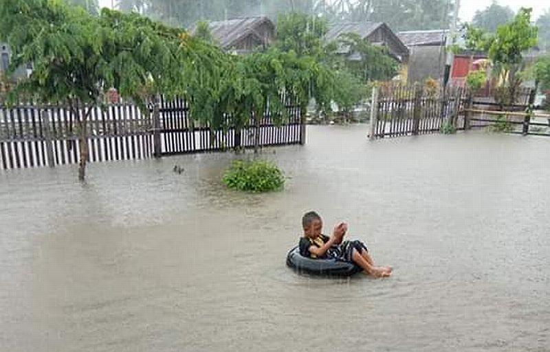 https: img-o.okeinfo.net content 2019 01 08 340 2001755 643-rumah-di-bolaang-mongondow-utara-terendam-banjir-hingga-1-meter-vWIbNXRUHr.jpg