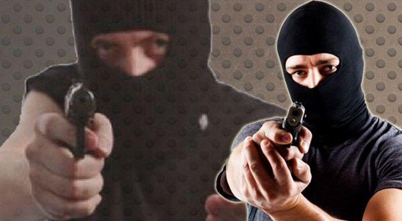 https: img-o.okeinfo.net content 2019 01 09 340 2002157 merampok-gunakan-pistol-mainan-dua-garong-ini-gasak-rp20-juta-dari-minimarket-d06SBBH31F.jpg
