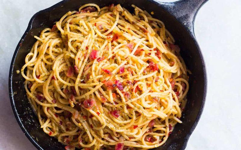 https: img-o.okeinfo.net content 2019 01 11 298 2002986 hot-spaghetti-aglio-olio-chicken-untuk-makan-siang-96I9mv7ilT.jpg