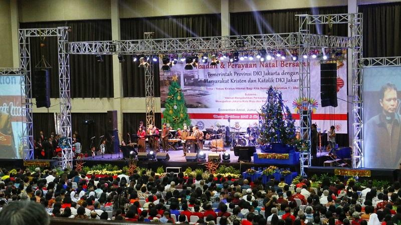 https: img-o.okeinfo.net content 2019 01 12 338 2003390 hadiri-perayaan-natal-bersama-anies-persatuan-umat-beragama-harus-selalu-dijunjung-tinggi-1VJ2YONn6X.jpg