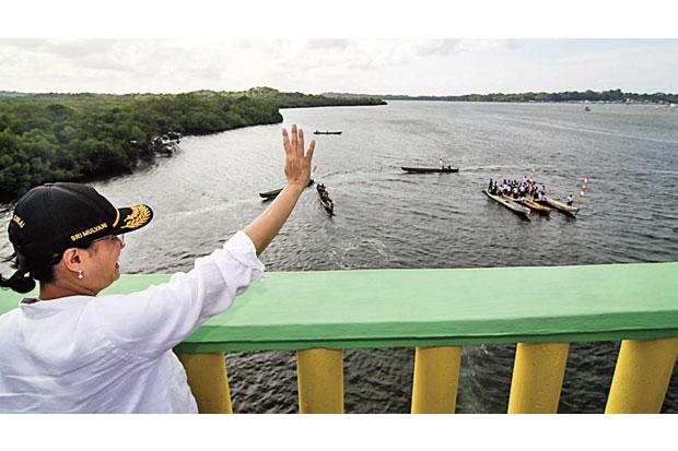 https: img-o.okeinfo.net content 2019 01 13 470 2003746 jembatan-leta-ora-ralan-permudah-mobilisasi-barang-dan-jasa-di-maluku-tenggara-barat-NCwnfdKIzJ.jpg